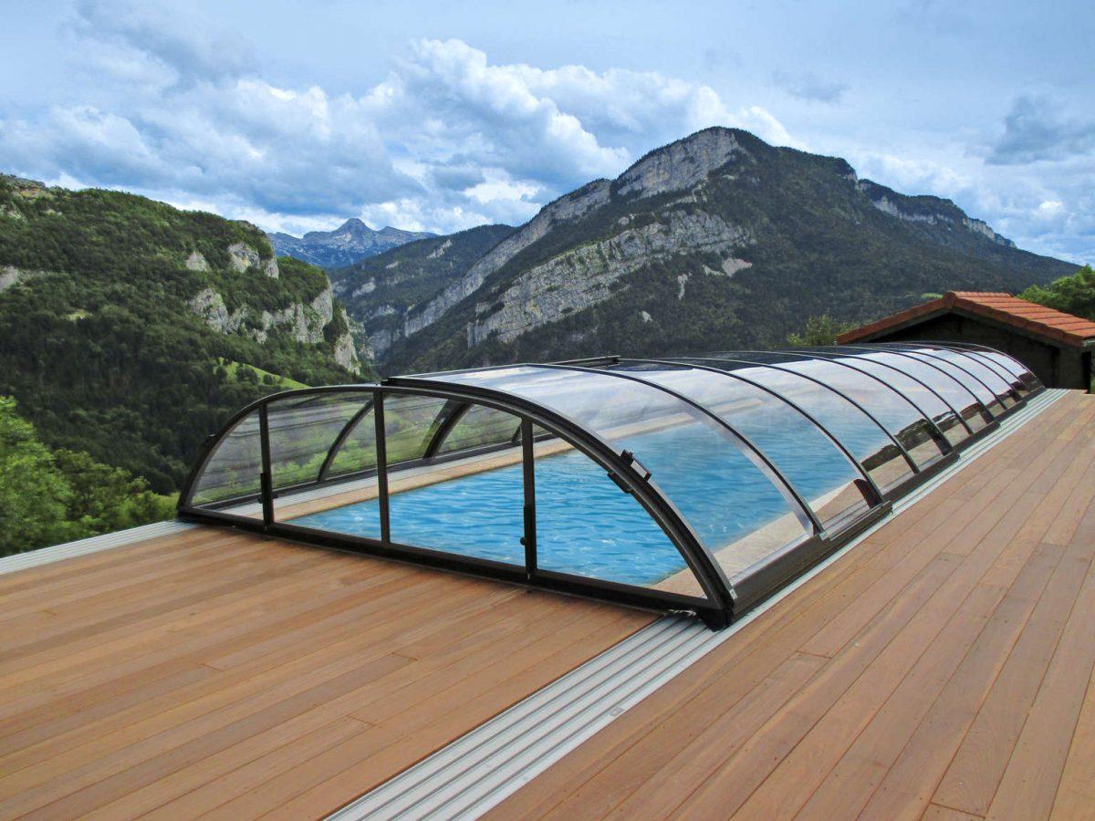Film o zelo lahkem odpiranju in zapiranje nizke bazenske strehe tip Elegant