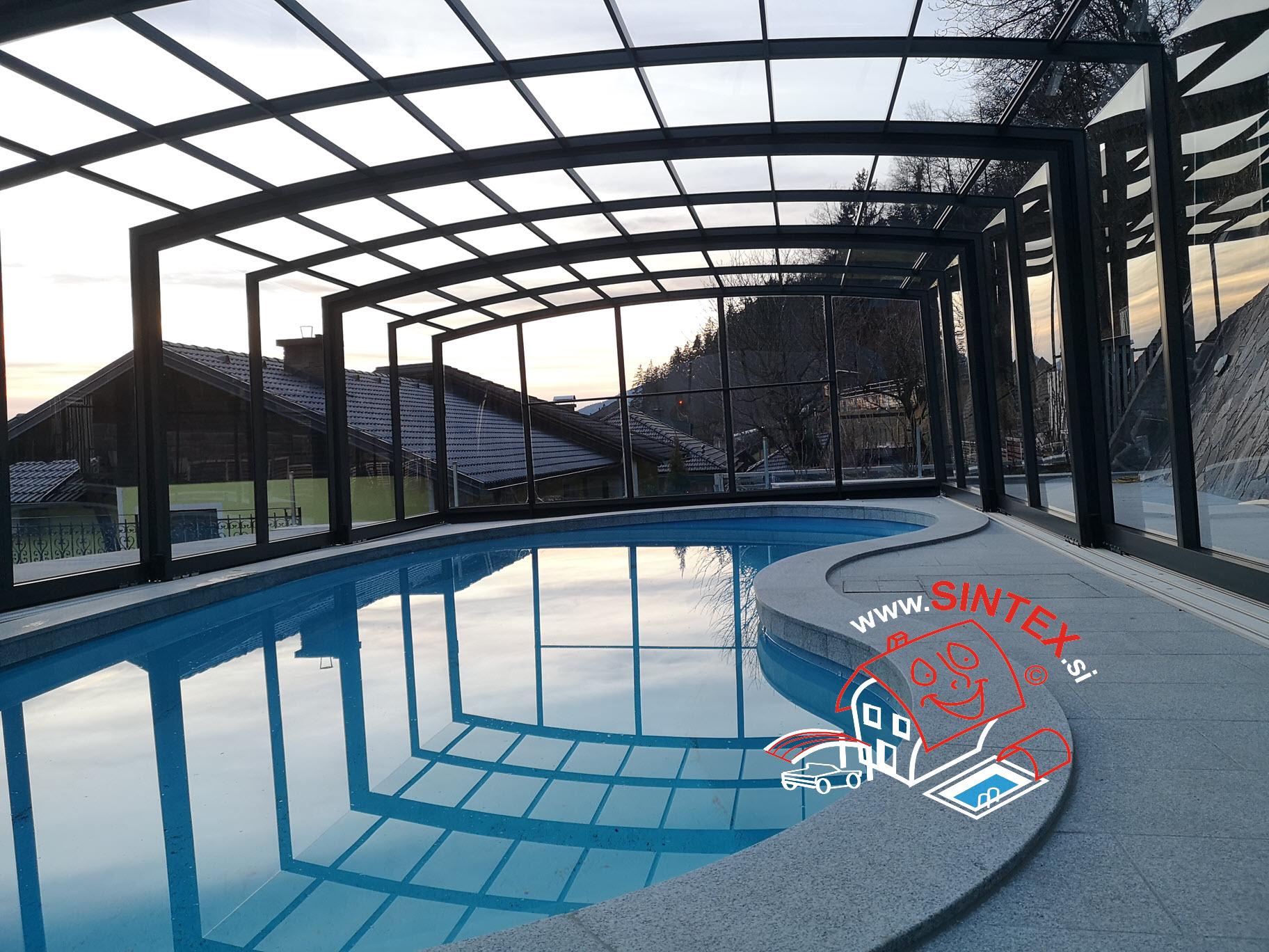 Pomična streha za bazen v Mariboru – slike z montaže