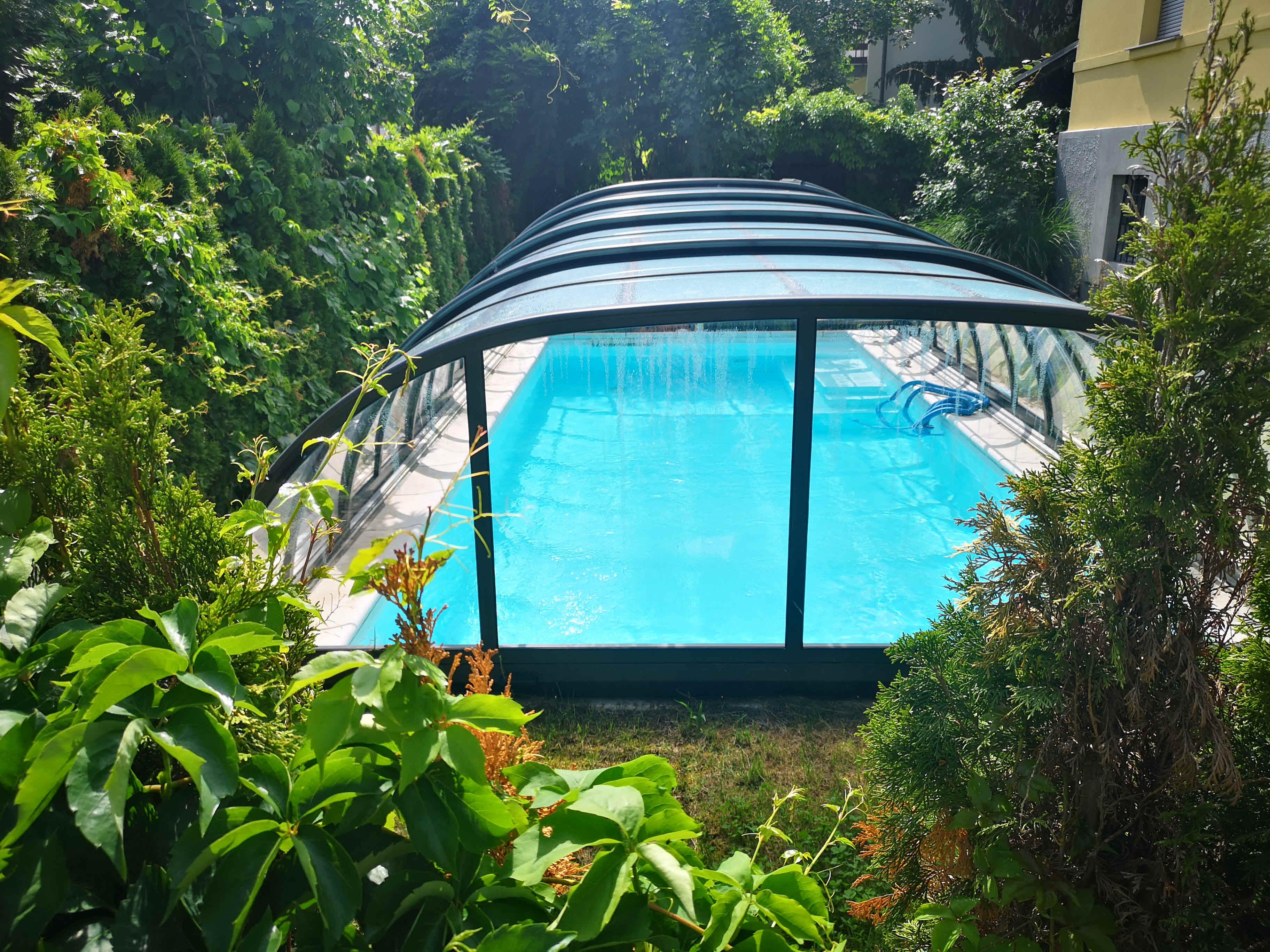 bazenska streha